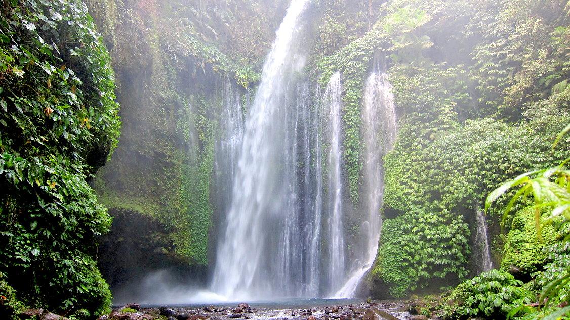 Водопады ломбока